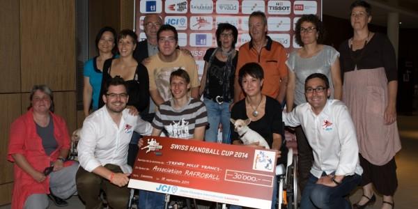 Un chèque de 30'000 CHF remis à l'association Rafroball